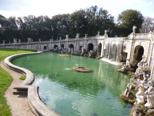 Fontana di Eolo nei giardini all'italiana della Reggia di Caserta. (foto di Giovanni Picone)