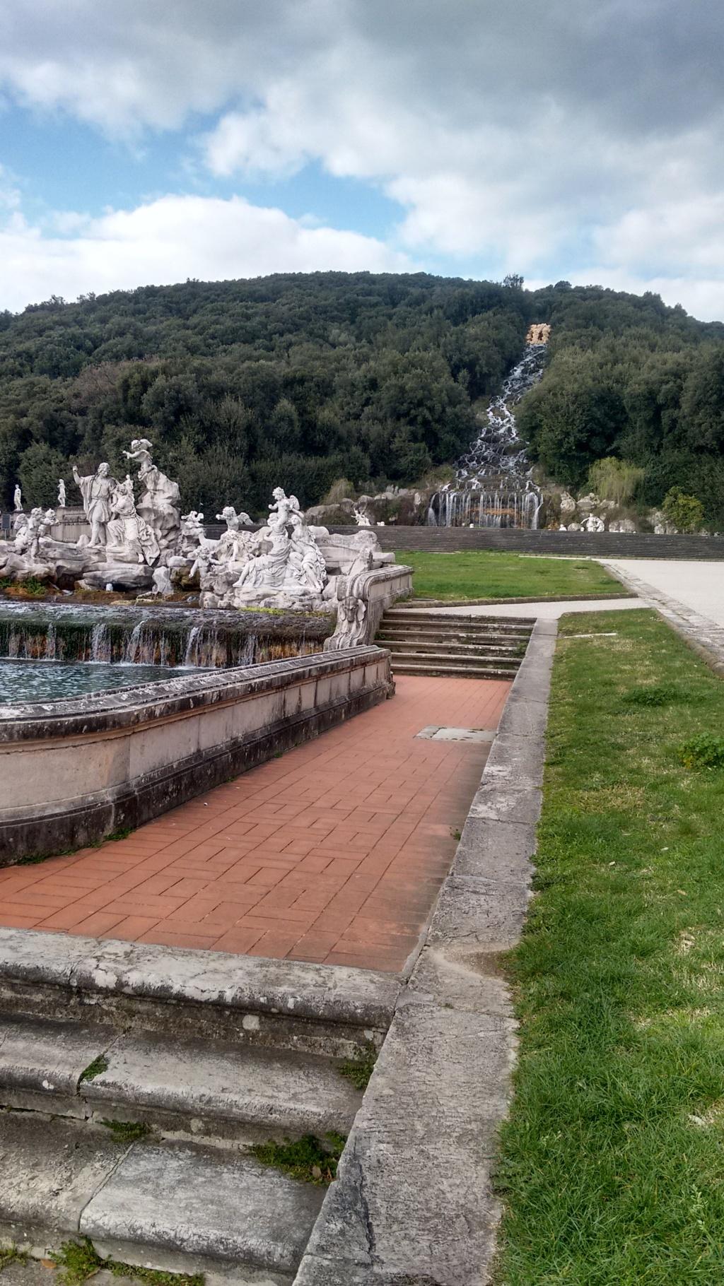 Nei giardini della reggia di caserta lipu e cfs per le rondini lipu benevento - Giardini reggia di caserta ...